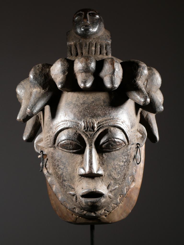 L'ascension des personnages dans l'histoire des religions oui mais où et comment? - Page 2 Masque-africain-afrique