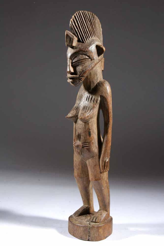 La statue Sénoufo sobre et fine montre l' u00e2me d'un peuple fier en Afrique # Sculpture Africaine En Bois